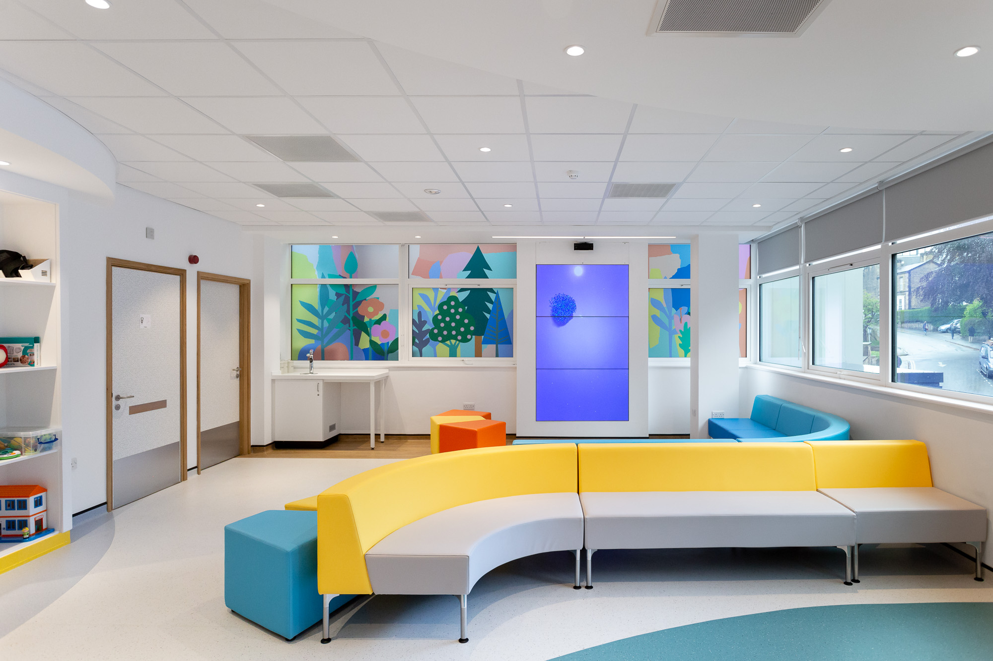 Haematology and Oncology Unit – Leah Bartholomew for Artfelt at Sheffield Children's Hospital. Photo Jules Lister